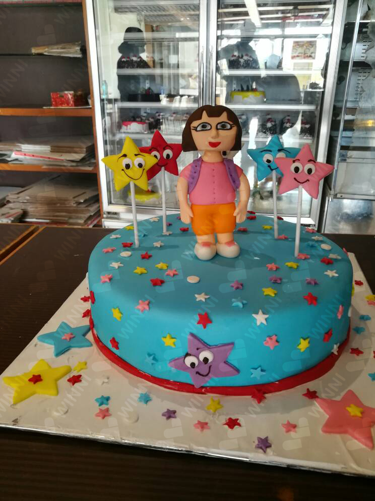 Fantastic Birthday Cake For Baby Girl Winni Celebrate Relations Personalised Birthday Cards Veneteletsinfo