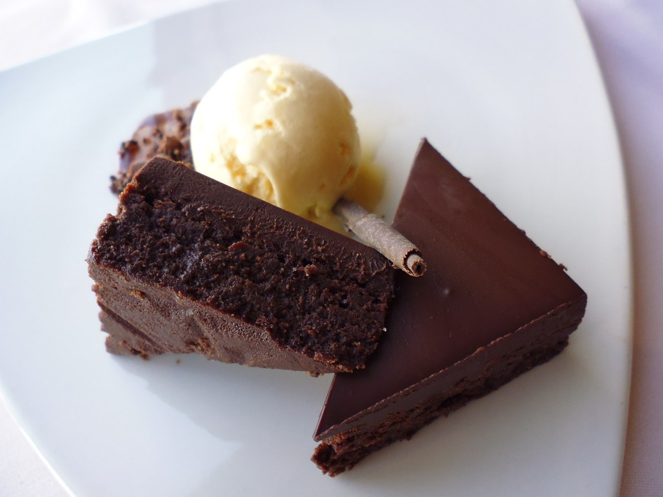 A small bite of chocolate keeps a doctor away