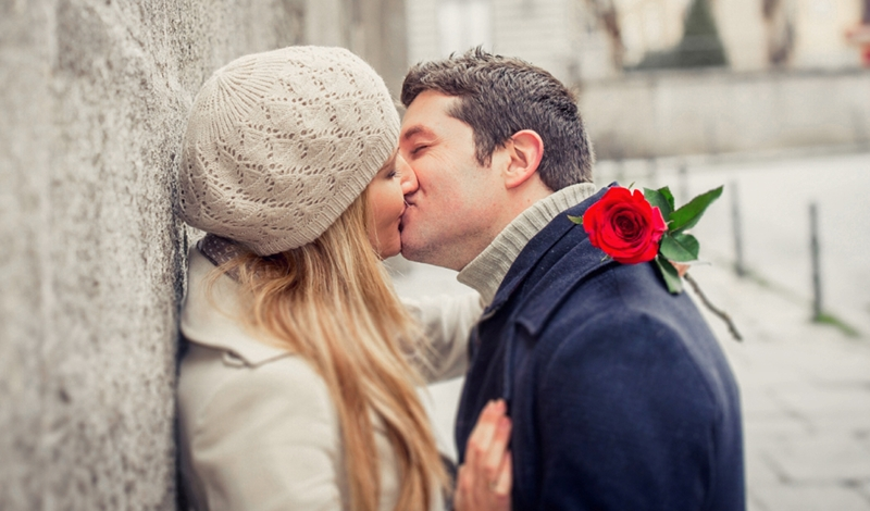 Kiss Day Hack: 6 Things You Should Do When Kissing Your Bae