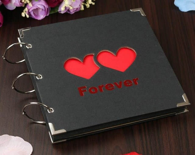 """""""Book of Love"""" for Highlighting Your Romantic Memories"""