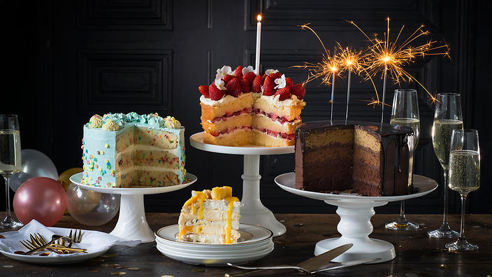 Make Your Celebrations a Dazzling One with the Show Stopping Cakes